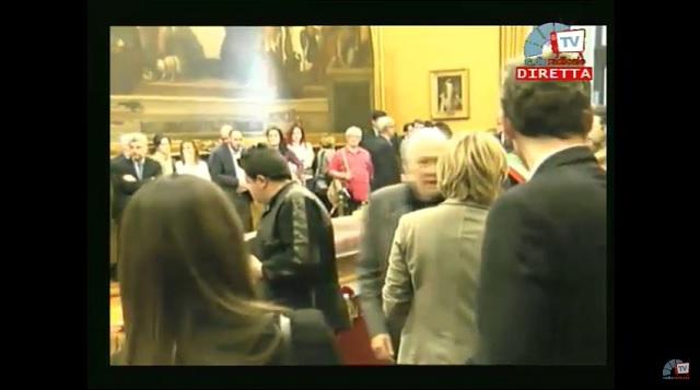 Pannela la diretta dalla camera ardente for Camera diretta tv